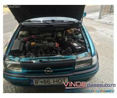 Dezmembrez Opel Astra F Cabrio 2.0 benzina 1994