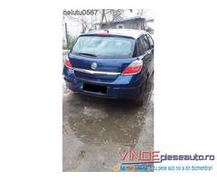 Dezmembrez Opel Astra H 1.6 benzina 2005