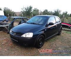 Dezmembrez Opel Corsa C an 2002 motor 1.2 benzina