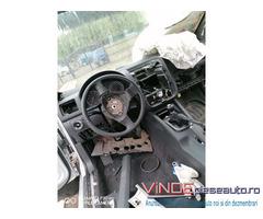 Dezmembrez Volkswagen Golf 5 an 2005-2006, 1.4 benzina, Cod motor BCA